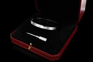 Cartier LOVE Armreif (Gr. 19)  in 18k Weißgold mit Box & Nachträglichem Cartier Berlin Zertifikat