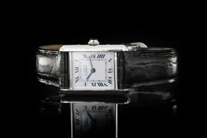 Cartier Tank (20mm) Versilbert mit schwarzem Lederband