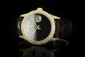 Rolex Day-Date (36mm) Ref.: 18238 in 18k Gelbgold mit nachträglichem Diamantbesatz aus 1993