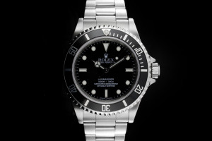 Rolex Submariner 14060M Box & Papiere 2010 LC100 Random Serial