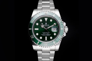 Rolex Submariner Hulk (40mm) Ref.: 116610LV mit Box & Papieren (LC100) 2014