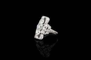 Antiker Platinring mit ca. 2,40ct. Diamanten