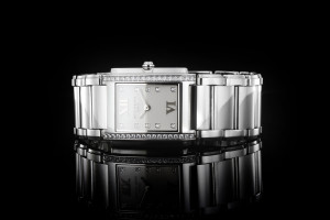 Patek Twenty 4 (25 x 30mm) Ref.: 4910/010A-011