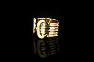 Cartier Logo Ring (Gr. 50) in 18k Weiß-, Gelb- & Rotgold