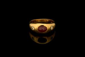 Ring mit rotem Farbstein und Diamanten (ca. 0,2ct) | 18k Gelbgold