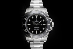 Rolex Submariner (40mm) Ref.: 114060 No Date mit Box & Papieren (LC325) aus 03/2019