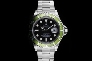 Rolex Submariner (40mm) Ref.: 16610LV Fat Four Mark I F-Serie aus 2003
